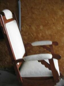 ANTIQUE ROCKING CHAIR London Ontario image 3