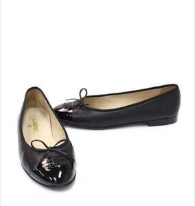 """Authentic Chanel black leather cap toe signature """"CC"""" ballerina"""