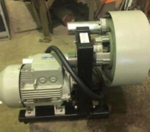 Pompe à  vide neuve / New vacuum pump