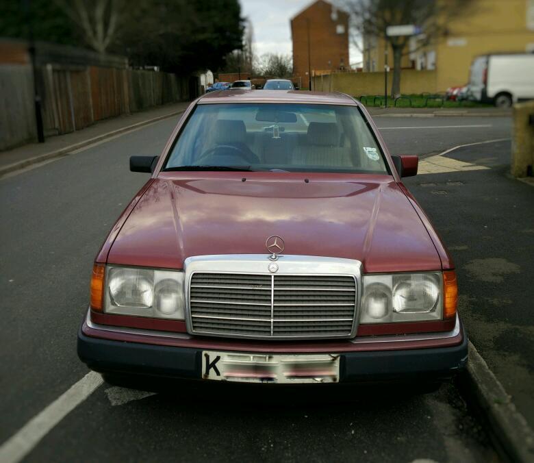 Sold Classic 1993 Mercedes Benz W124 220e 4 Door Automatic Car