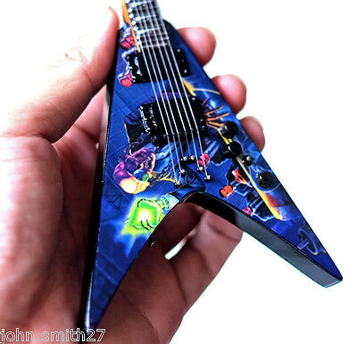 Miniature Guitar Dave Mustaine Megadeth Rust In Peace VMNT Awesome !