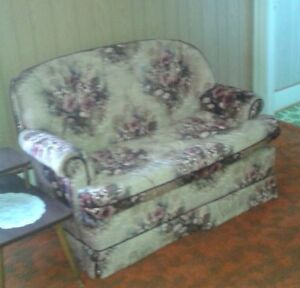 Love seat with matching chair (beige/burgundy floral)