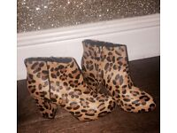 BNWT Topshop ankle boots. U.K. 3. £25