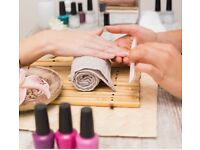 WANTED NAIL TECHNICIAN/ MAKE-UP/BEAUTY THERAPIST / ROOM TO RENT