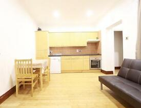 2 bedroom flat in Scrubs Lane, Shepherd's Bush, W10