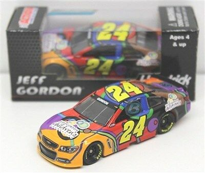 24 Jeff Gordon 2014 Childrens Foundation  Diecast Car Action 1 64