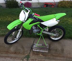 2000 KX100 dirt bike