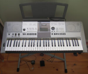 YAMAHA PSR E413 keyboard w/stand, power supply & sustain pedal