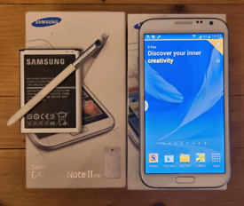 Samsung Galaxy Note 2 boxed with spare battery