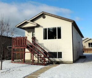 Open concept with  Vaulted Ceilings - Hinton Alberta