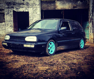 ***LOWERD VW GOLF 5SP FOR SALE OR TRADE FOR ***