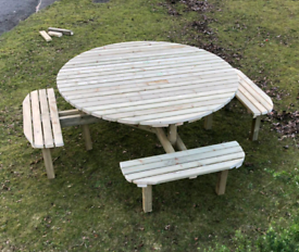 Ex large wooden round picnic table Garden patio furniture