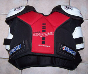 Vaughn Conquest 1000 Shoulder Pads VSP1000 London Ontario image 1