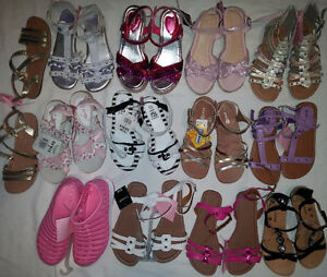 Older Girls Size 2, 3, 4 Shoes & Boots & Sandals & Sneaker etc.. London Ontario image 3