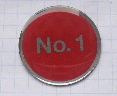 Olympus Pins (OLYMPUS  /  KAMERA / No. 1    ....... Foto-Pin (117k))