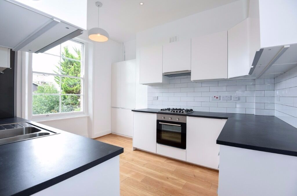 NO ADMIN FEE 4 bed Arundel Square N7 £820pw,available ASAP, H+I tube.furnished. newly refurbished.