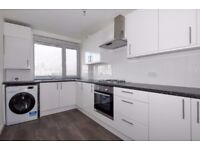 A spacious three bedroom split level flat to rent, Royal Street