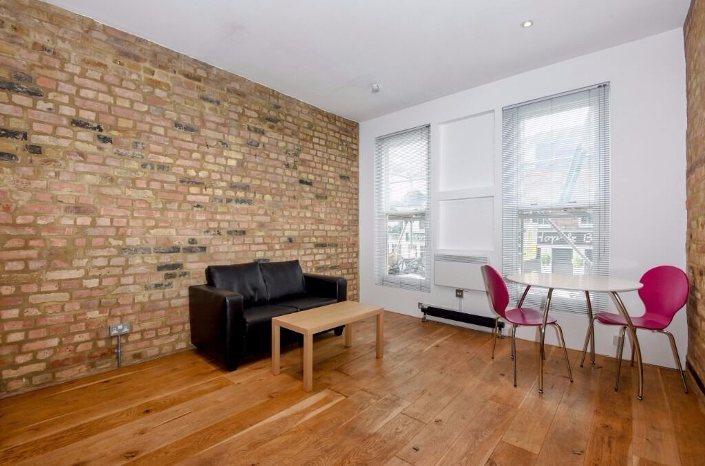 6 month let AVAILABLE ASAP. 1 bedroom on Liverpool rd N1. Furnished- great location,5 mins to Angel