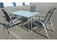 Set Garden Table and 4 Stackable Sunbed / Chairs