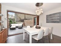 ***SUPERB THREE BEDROOM HOUSE WITH STYLISH PATIO available to rent - Flaxman Road, SE5***