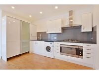 Spacious 3 bedroom flat to rent in Kilburn, spacious reception room available now