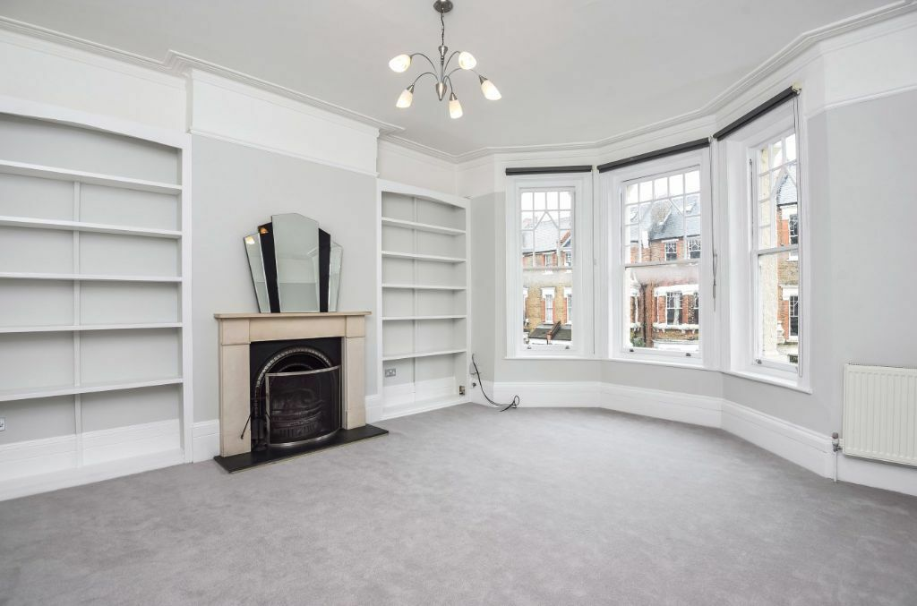 THREE DOUBLE BEDROOM TO RENT WITHIN A STUNNING MANSION BLOCK