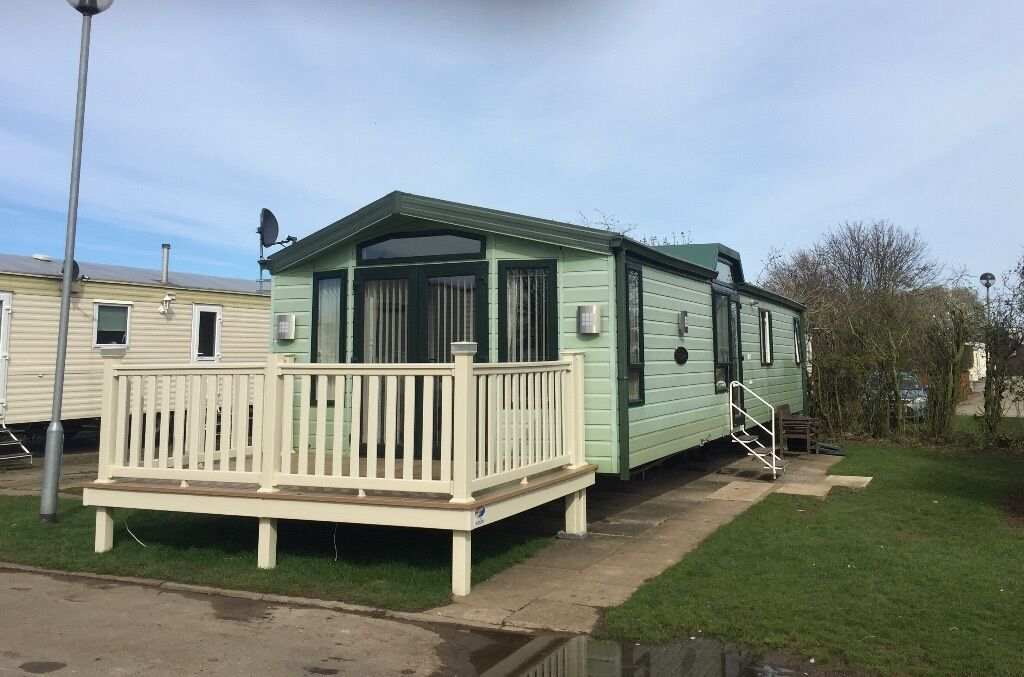 SKIPSEA SANDS 'PARK DEAN RESORTS' BEAUTIFUL 4 BERTH PLATINUM CARAVAN FOR HIRE/RENT !!