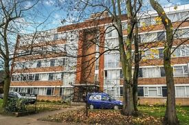 A spacious and recently refurbished one double bedroom flat to rent in East Putney