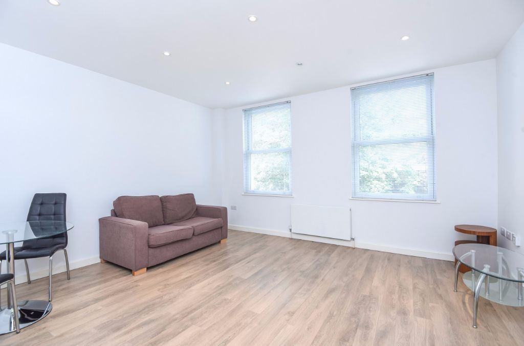 MODERN ONE DOUBLE FURNISHED FLAT TO RENT CLOSE TO WEST HAMPSTEAD