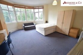 *MOST BILLS INCLUDED* SPACIOUS STUDIO FLAT TO RENT IN HENDON CENTRAL