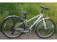 "Carrera Crossfire lady's hybrid bike, 16"" aluminium frame, 21 gears, 700c wheels, mudguards, rack"