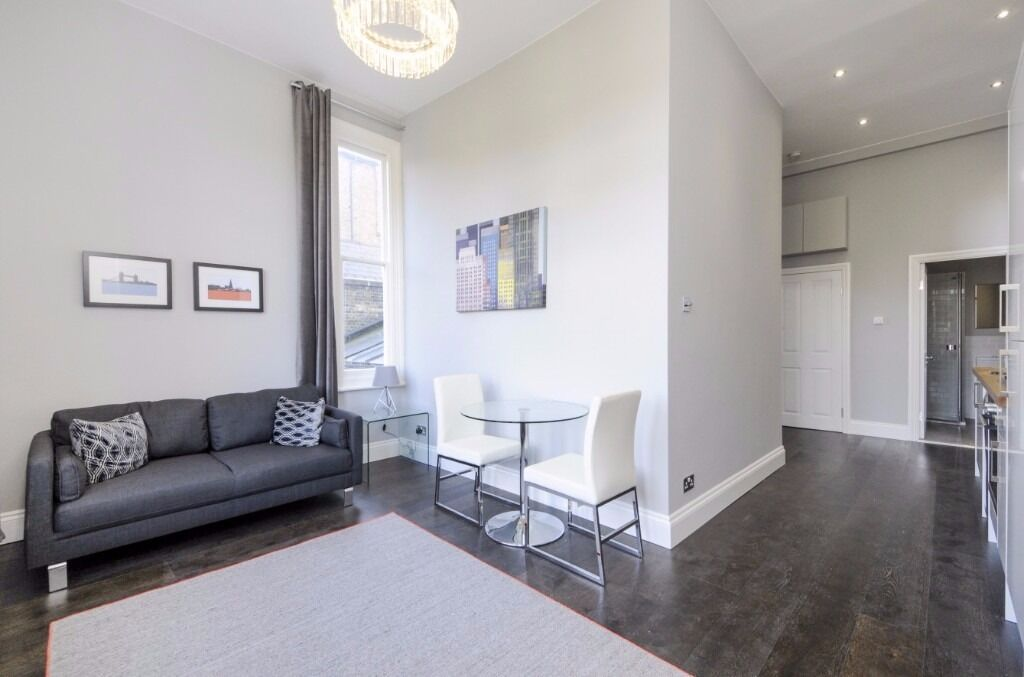 A simply stunning and newly refurbished one bedroom apartment. Macaulay Road, Clapham Common, SW4