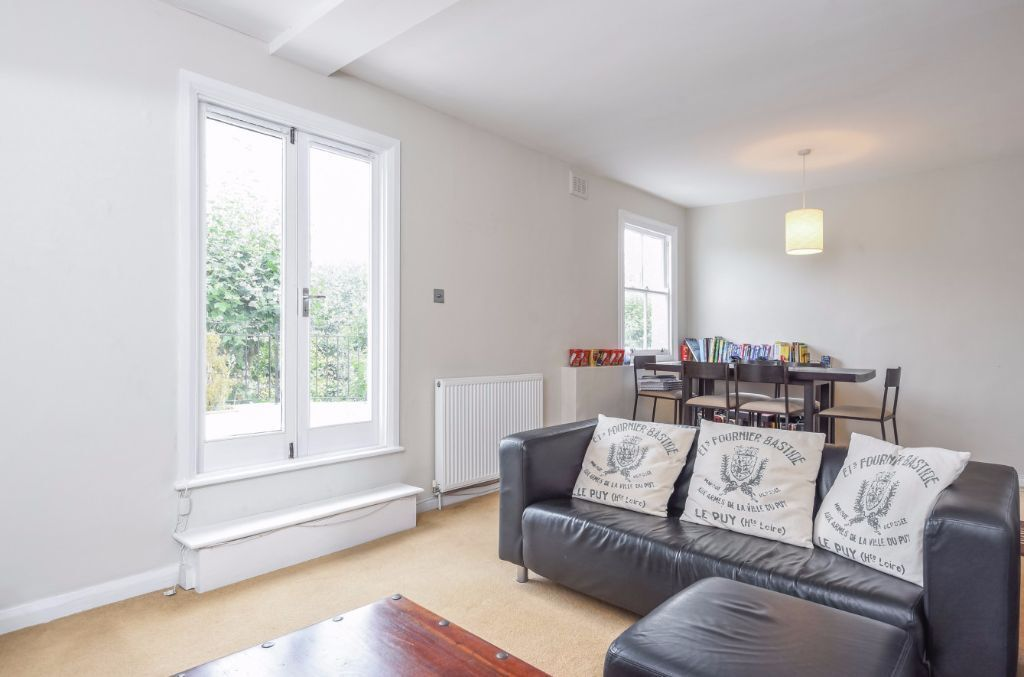 BRIGHT MODERN AND SPACIOUS ONE DOUBLE BEDROOM FLAT TO RENT IN SOUTH HAMPSTEAD