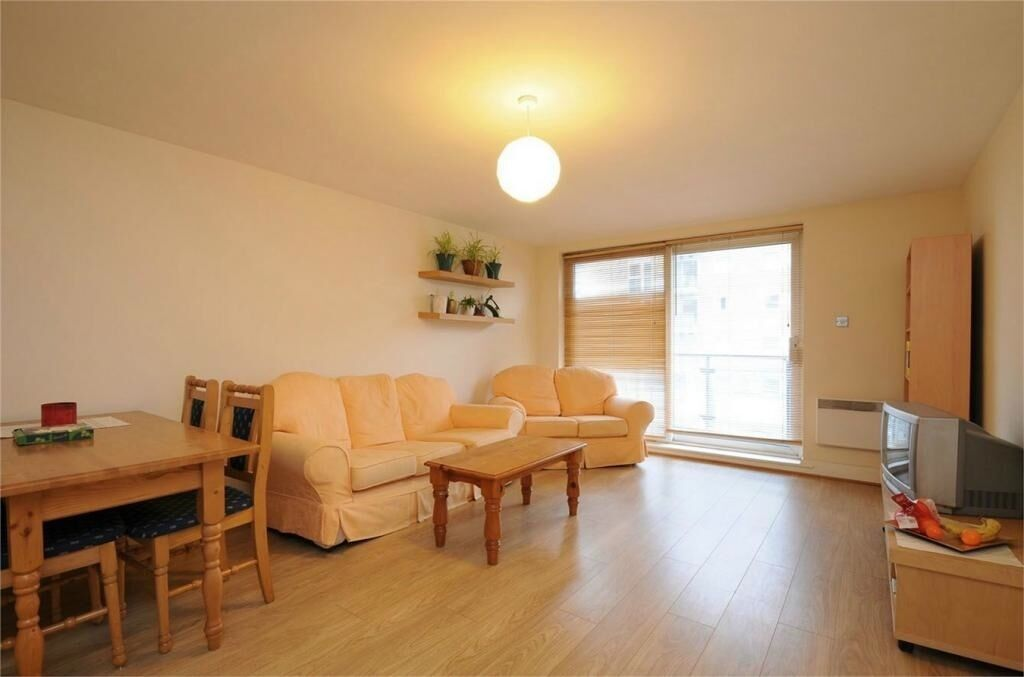 AVAILABLE TODAY!!! TRAIN, TUBE, AMENITIES, GYM, PARKS + MORE. CALL!! Wandsworth Chelsea Putney SW18
