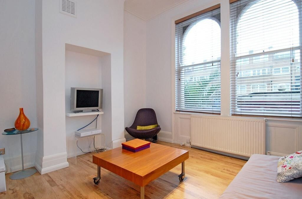 A spacious, contemporary studio apartment located in central Fulham, Cedarne Road, SW6