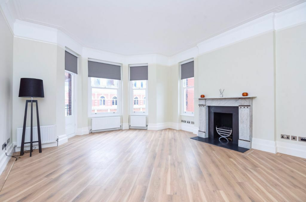 LUXURIOUS FOUR BED APARTMENT TO RENT IN THE HEART OF WEST HAMPSTEAD