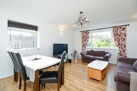 Immaculate three bedroom purpose built flat to rent in Beckenham