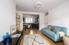 Three bedroom apartment to rent - Ferndale House