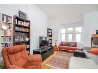 Newly refurbished two bedroom ground floor flat with private garden to rent in Bounds Green, N11