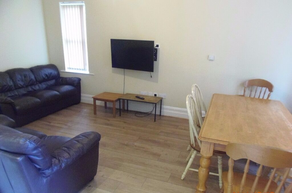 NOW LET - 7 DOUBLE Bed House Parkgate Ave Withington 7 x £346.66pcm FREE TV & LICENCE INCLUDED