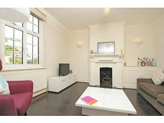 Peterborough Villas - A stunning two bedroom flat in this desirable area of Fulham Fulham Picture 6