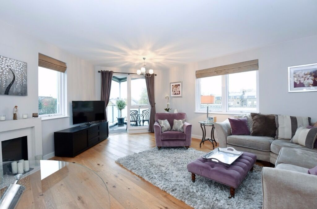 NO ADMIN FEE,AVAILABLE EARLY DEC- 2 bed Corsica St, N5, 2 mins to H&I station,nice furniture/decor