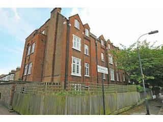 Peterborough Villas - A stunning two bedroom flat in this desirable area of Fulham Fulham Picture 4