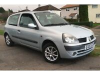 RENAULT CLIO, 1.2 PETROL, 1 YEAR MOT, GREAT FIRST CAR, CHEAP INSURANCE AND TAX, VERY GOOD CONDITION