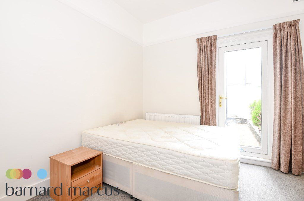 Four bed - AVAILABLE NOW!