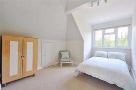 Beautiful, Large Double room 5 mins walk from Kilburn Tube, (jubilee line)