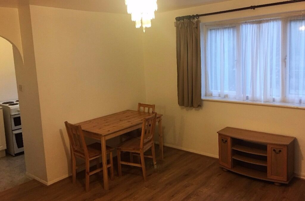 Good Sized 2 Bedroom Flat Tottenham Hale | Available Now! (N17)