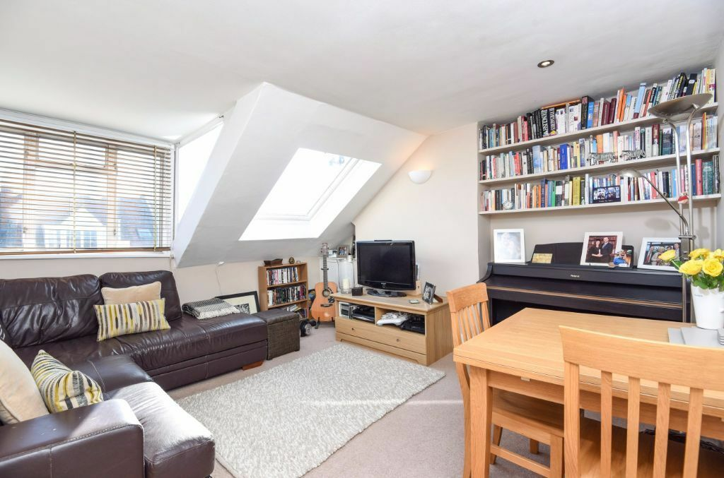 COSY ONE BEDROOM FLAT TO RENT IN THE HEART OF WEST HAMPSTEAD
