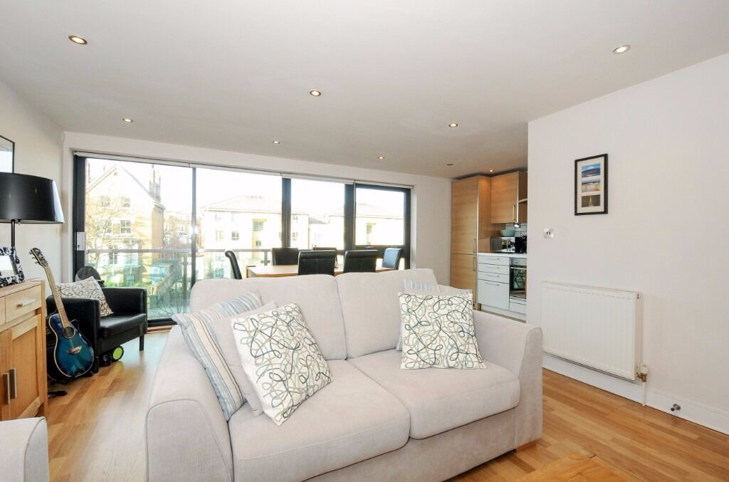 2 bed 2 bath to rent Green Lanes, N4, £1850pcm, fully furnished, balcony, bike storage