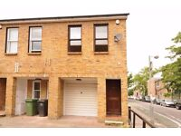 This spacious three bedroom house to rent is arranged over three floors in Brockley - Wickham Road